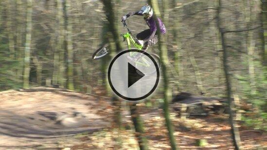 RidingStyle: Coach Basti gibt seinem Tyee die Sporen